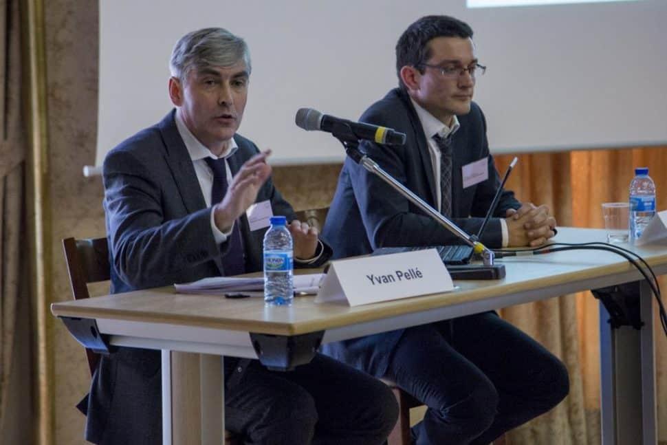 Yvan Pelle et Jeremy Chaigneau presentent les rencontres regionales du logiciel Regards